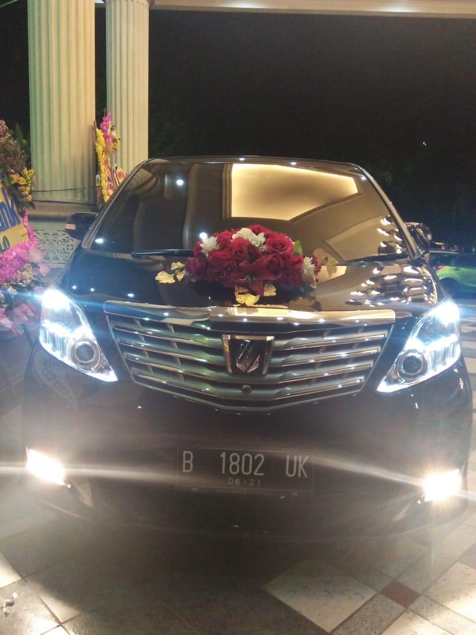 Rental Mobil Pernikahan Solo Santana