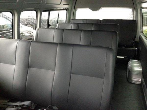 Santana Rental Mobil Solo - Fitur Unggulan Mobil Toyota Hiace