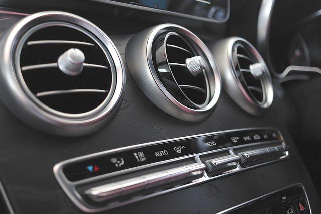Santana Rental Mobil Solo - Mengantisipasi Penularan Virus Dalam Mobil