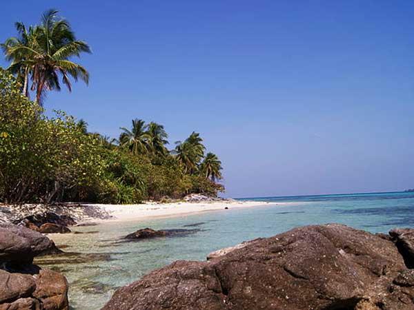 Destinasi Wisata Pantai Ujung Gelam Karimunjawa