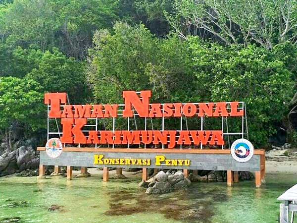 Destinasi Wisata Taman Nasional Laut Karimunjawa